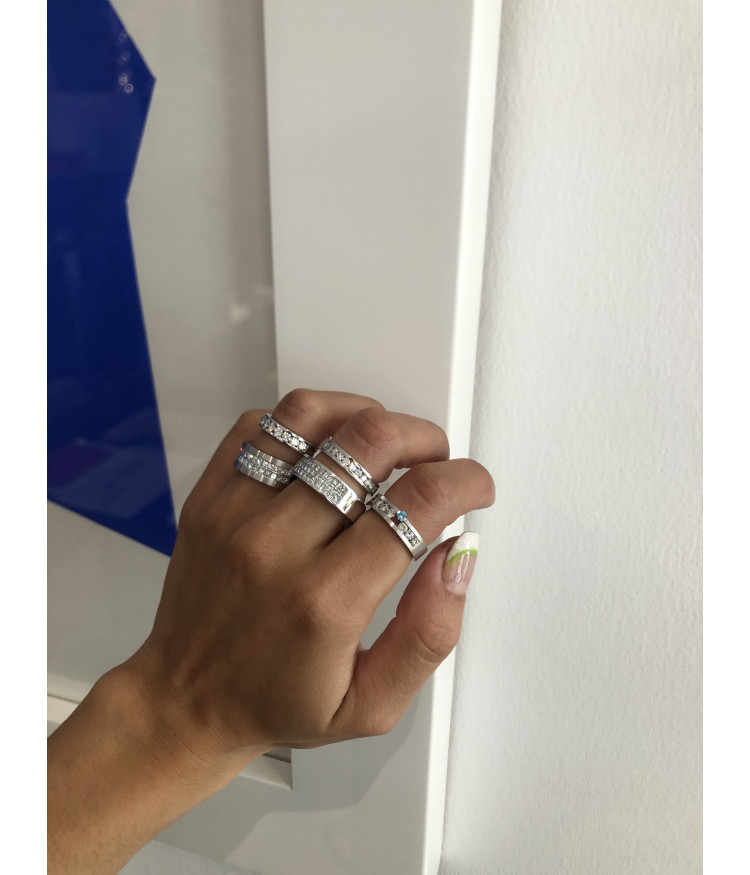 Anillo diamantes carril